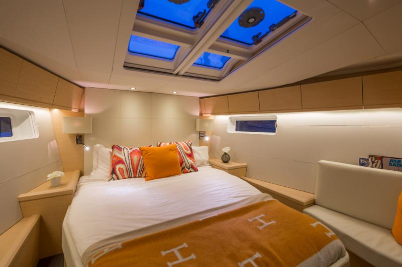Jeanneau 54 Interior Views 29