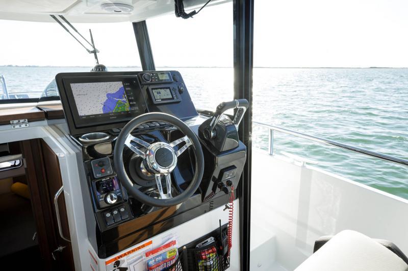 NC 895 Sport │ NC Sport of 9m │ Boat Outboard Jeanneau  18980