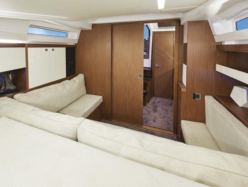 Leader 33 Interior Views 2