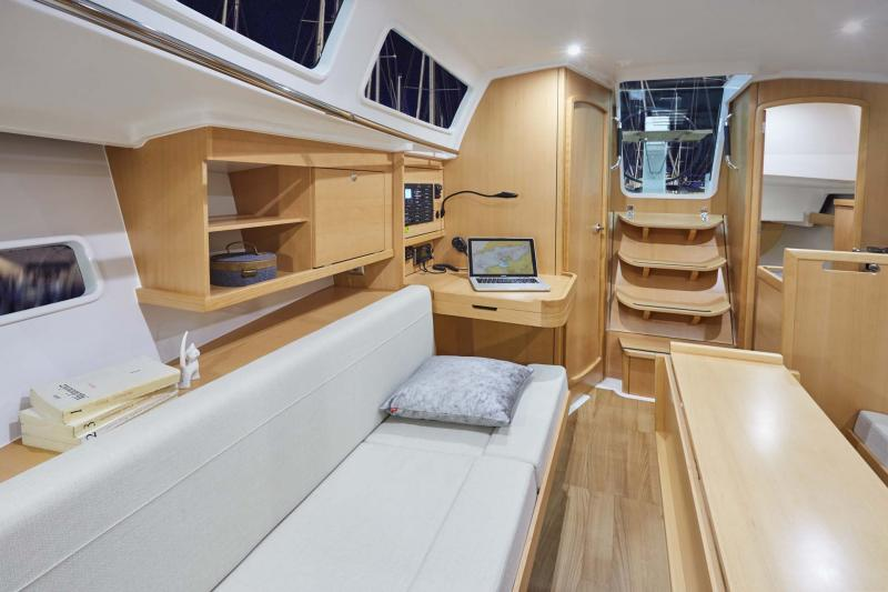 Sun Odyssey 319 Vistas del interior 3