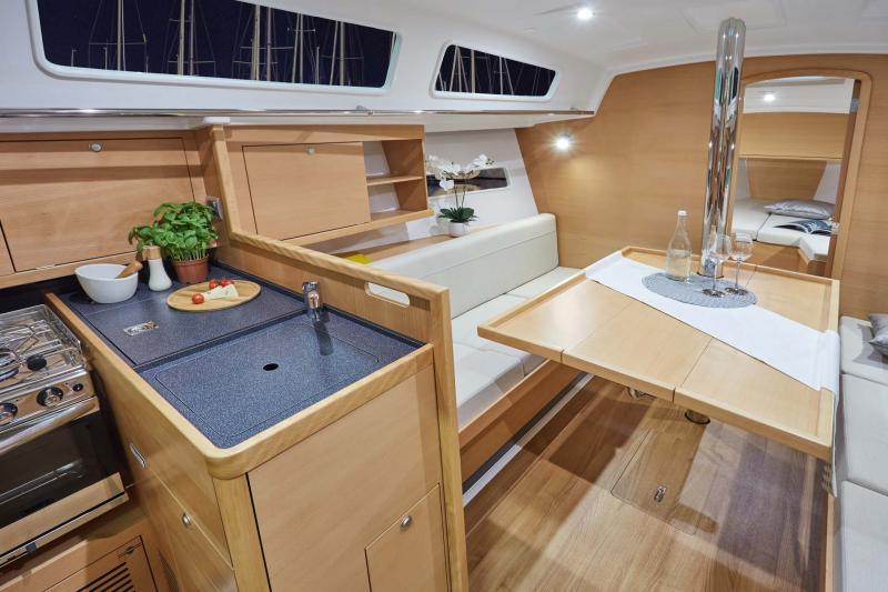 Sun Odyssey 319 │ Sun Odyssey of 10m │ Boat Barche a vela Jeanneau  10251