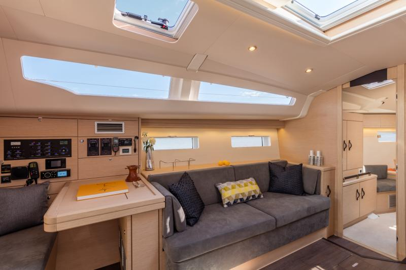 Jeanneau 51 Interior Views 15