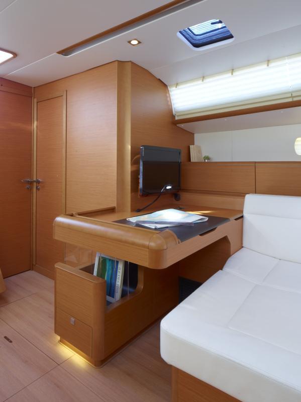 Sun Odyssey 519 Vistas del interior 6