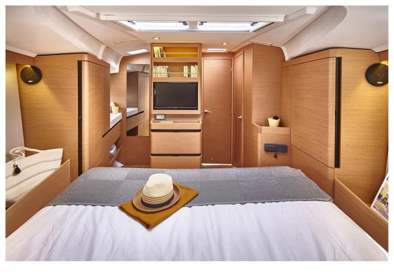 Sun Odyssey 490 Interior Views 7