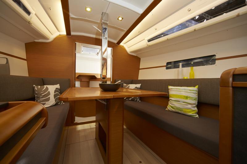 Sun Odyssey 349 │ Sun Odyssey of 10m │ Boat Sailboat Jeanneau boat Sun-Odyssey-349 923