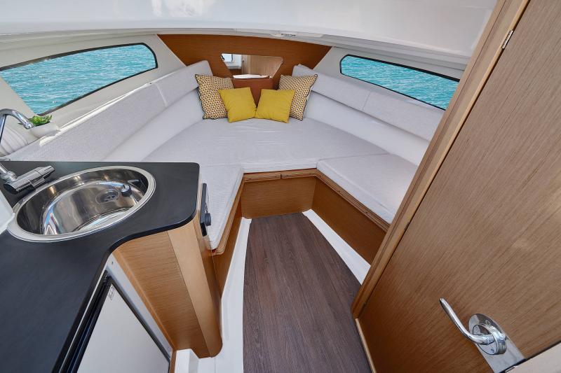 Cap Camarat 7.5 WA Série3 │ Cap Camarat Walk Around of 7m │ Boat powerboat Jeanneau  23135