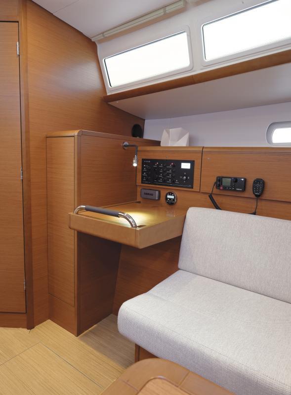 Sun Odyssey 379 │ Sun Odyssey of 11m │ Boat Sailboat Jeanneau  8338