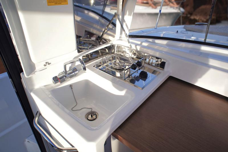Merry Fisher 875 Marlin Interior Views 1