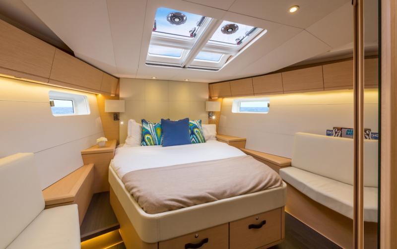 Jeanneau 54 Interior Views 18