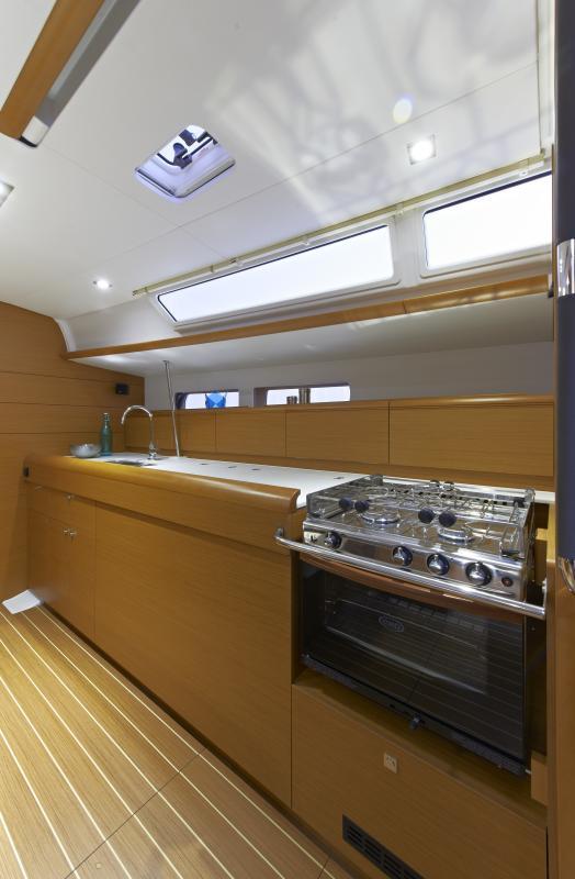 Sun Odyssey 479 Interior Views 30