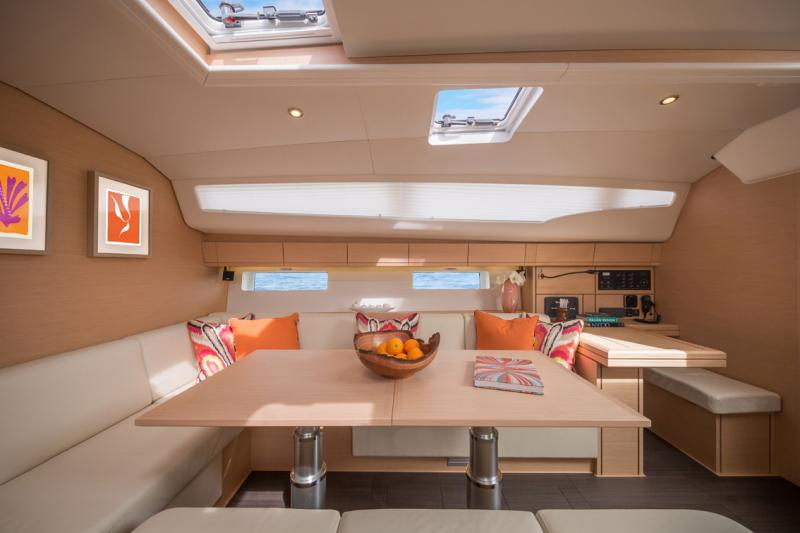 Jeanneau 54 Interior Views 25