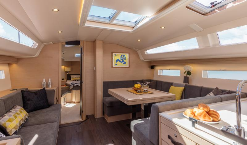 Jeanneau 51 Interior Views 35